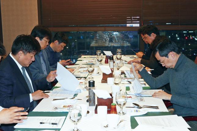 2019년도 제1회 수련고시위원회 회의가 지난달 22일 열렸다.
