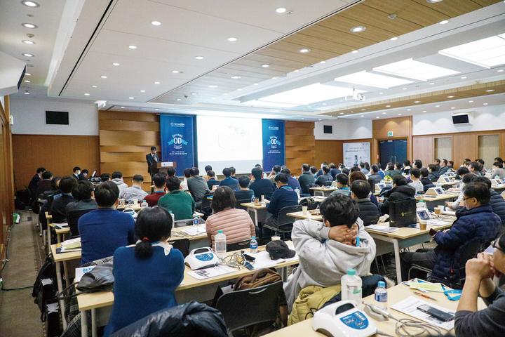 메가젠임플란트 Densah Osseodensification Academy가 16일 코엑스에서 성황리에 개최됐다.<메가젠임플란트 제공>